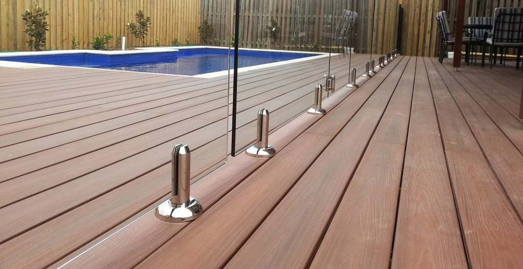 pool fencing company